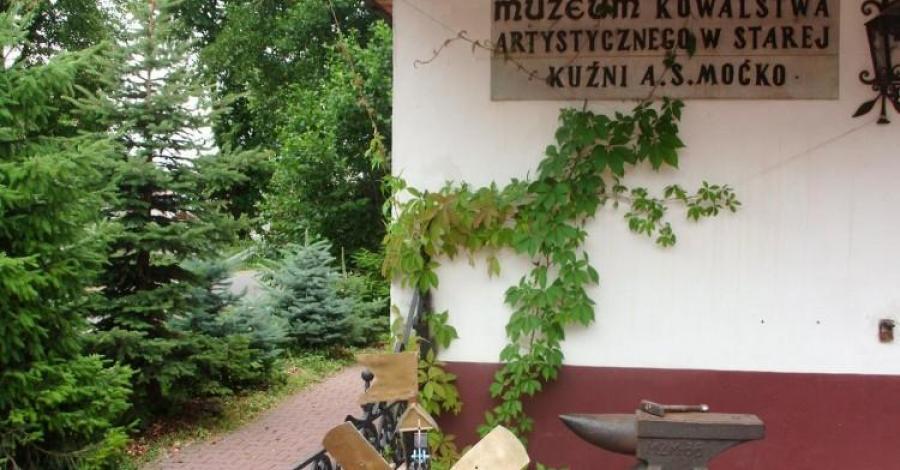 Muzeum Kowalstwa w Oblęgorku - zdjęcie