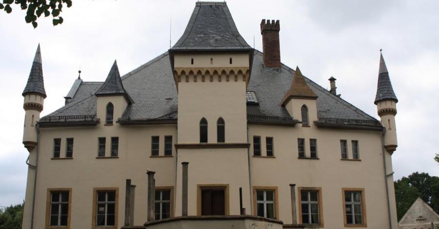Pałac na wodzie w Wojcieszowie - zdjęcie