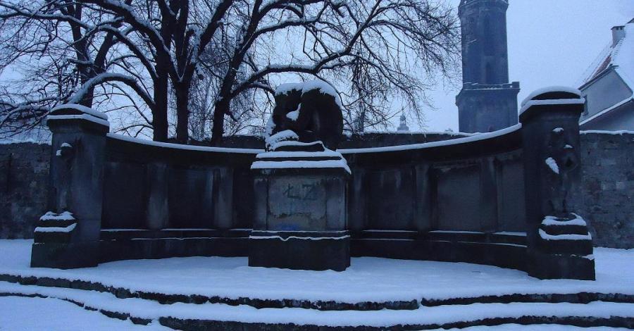 Pomnik ofiar I wojny światowej w Lwówku Śląskim, Ela