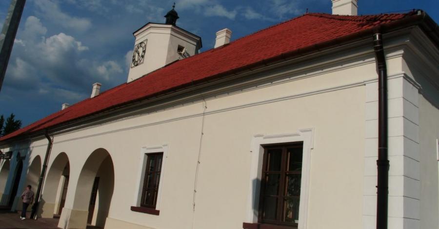 Ratusz w Staszowie - zdjęcie