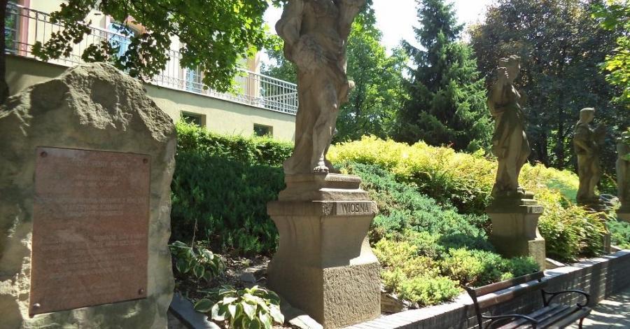 Rzeźba Cztery Pory Roku w Opolu - zdjęcie