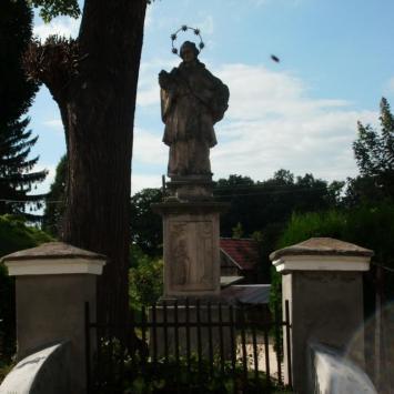 Figura Św. Nepomucena w Żelaźnie