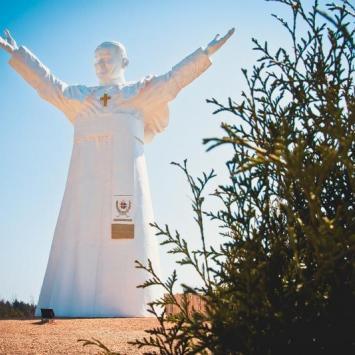 Rekordowy Pomnik Papieża w Częstochowie - zdjęcie