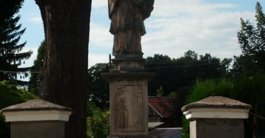 Figura Św. Nepomucena w Żelaźnie - zdjęcie