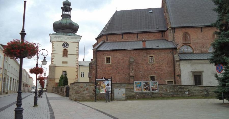 Kościół Farny w Krośnie - zdjęcie