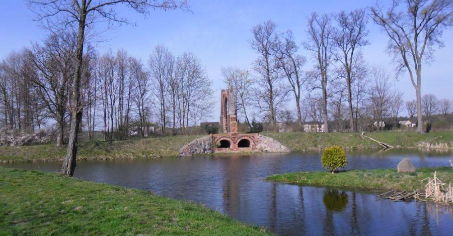 Park w Boguszynie - zdjęcie