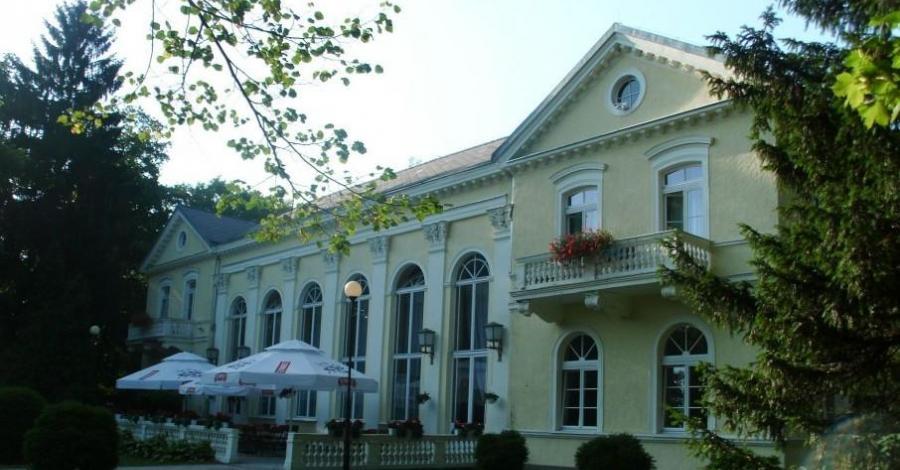Pawilon Edward w Cieplicach - zdjęcie