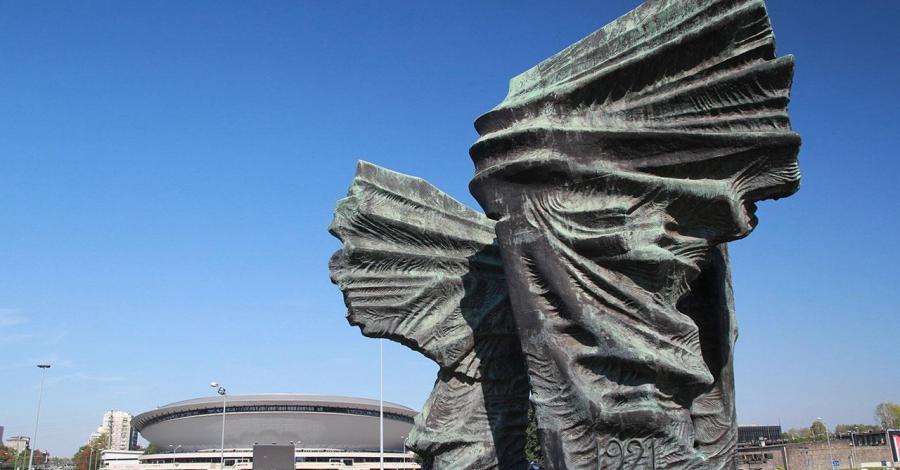 Pomnik Powstańców Śląskich w Katowicach, Anna Piernikarczyk