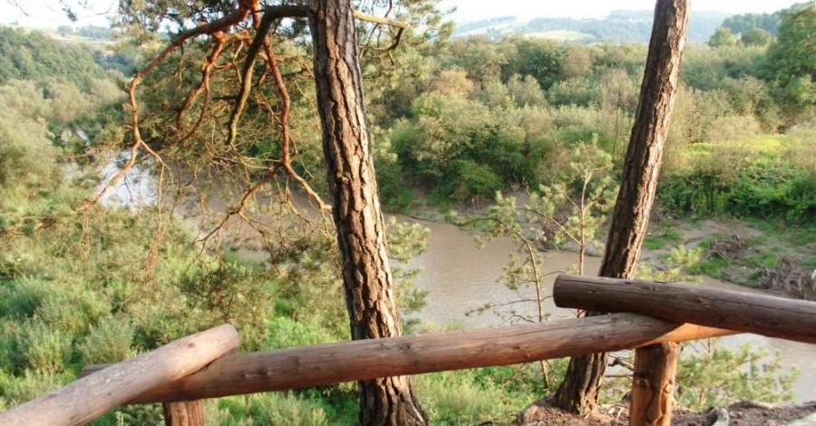 Taras widokowy w Ciężkowicach - zdjęcie