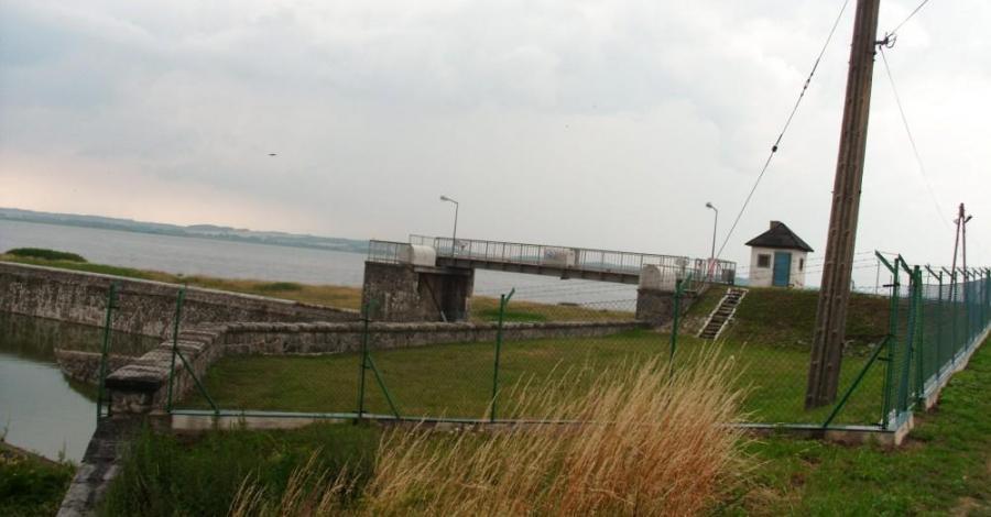 Zapora na Jeziorze Otmuchowskim - zdjęcie