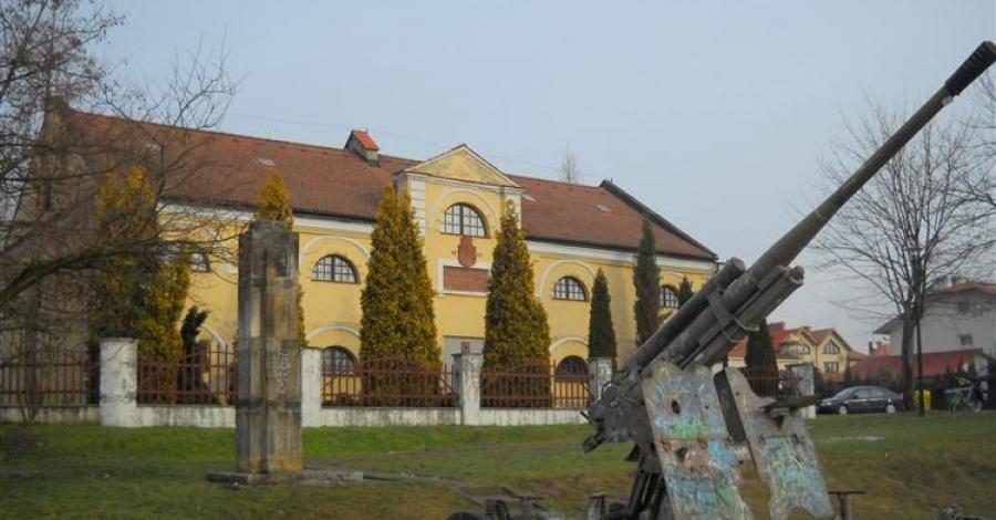 Spichlerz Dworski w Tarnobrzegu - zdjęcie
