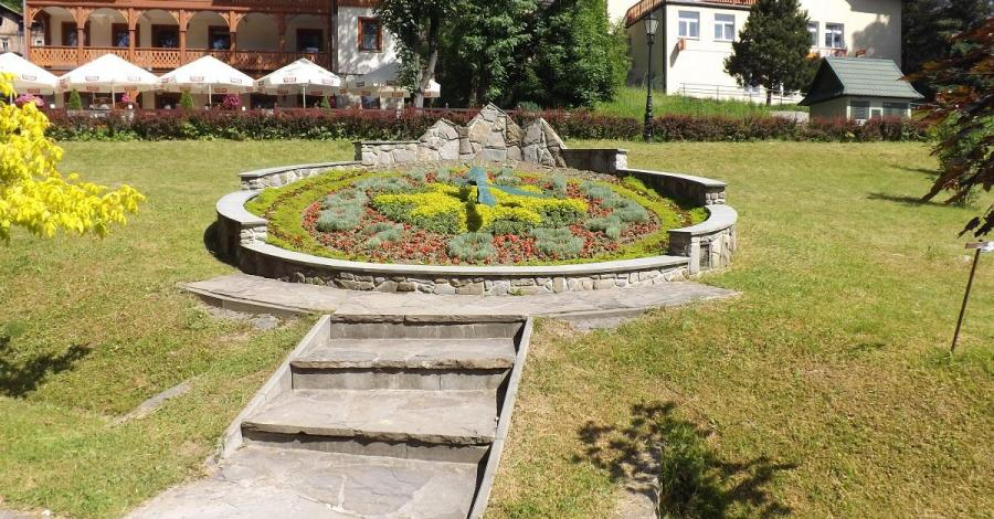 Zegar kwiatowy w Szczawnicy - zdjęcie