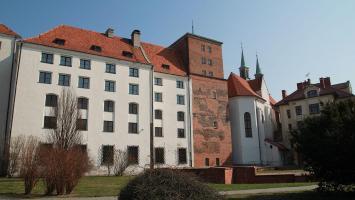Brzeg - zwiedzanie zamku - zdjęcie