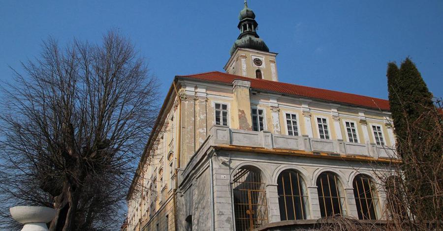 Pałac w Oleśnicy Małej - zdjęcie