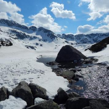 Wiosenno-zimowa Dolina Pięciu Stawów