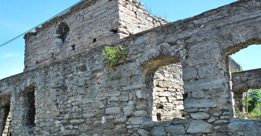 Szydłów ruiny kościoła św. Ducha, Anna Piernikarczyk