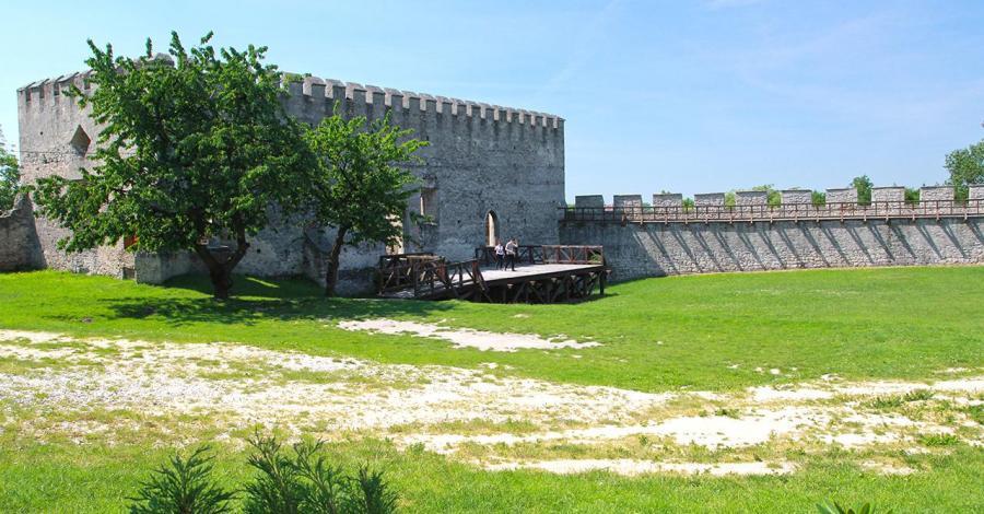 Zamek w Szydłowie, Anna Piernikarczyk