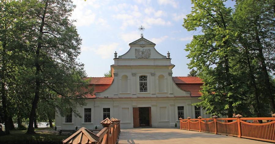 Kościół Na Wodzie w Zwierzyńcu - zdjęcie
