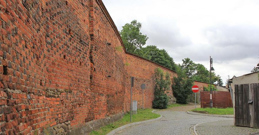 Mury miejskie w Byczynie - zdjęcie