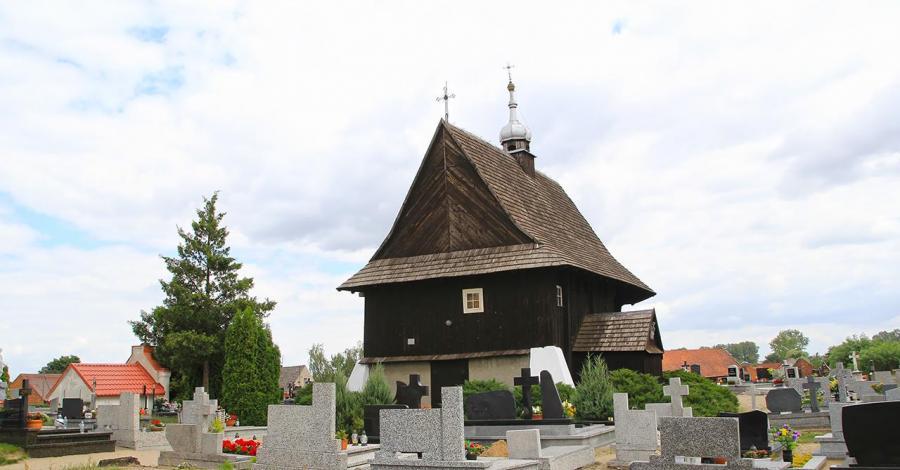 Drewniany kościół w Ołoboku - zdjęcie