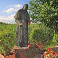 Studzieniczna pomnik Papieża