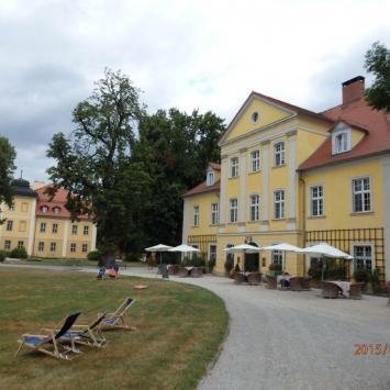 Łomnica -w Dolinie  Pałaców i  Ogrodów  .