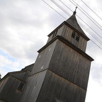 Drewniany kościół w Ostrykole