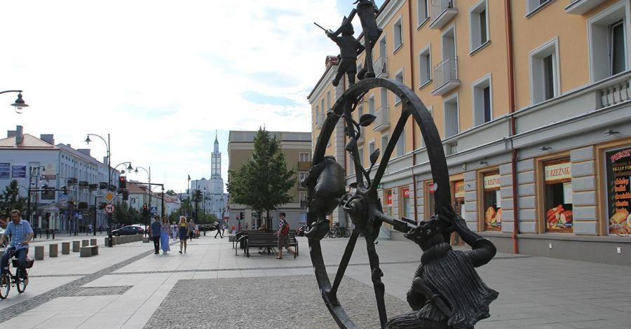 Pomnik Podróż w Białymstoku, Anna Piernikarczyk
