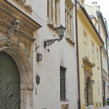 ulica Kanoniczna, Anna Piernikarczyk