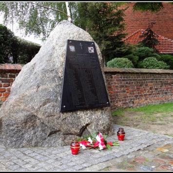Pomnik ofiar katastrofy lotniczej pod Smoleńskiem
