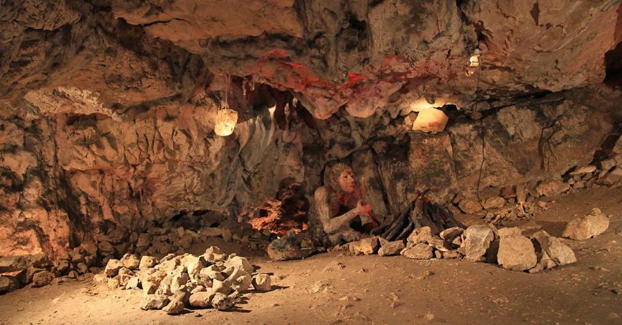 Jaskinia Wierzchowska i Dolina Kluczwody - zdjęcie
