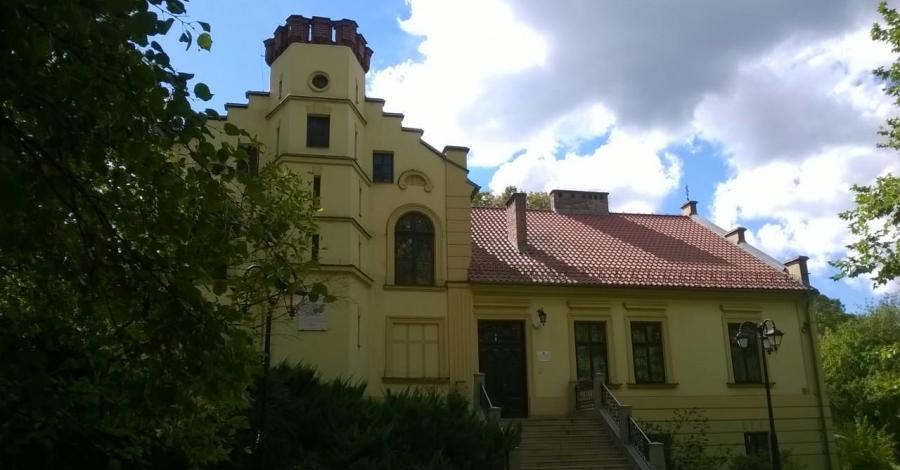 Pałacyk Sokół w Skawinie, Lucy i Tom