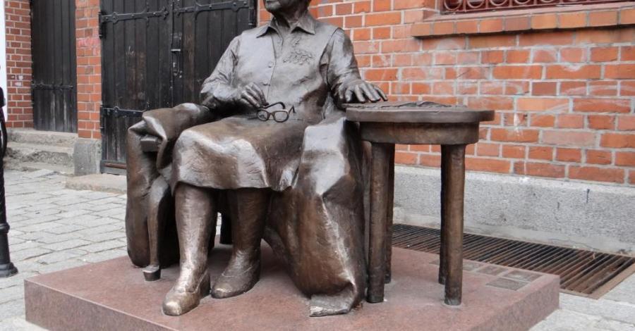 Pomnik Elżbiety Zawackiej w Toruniu - zdjęcie