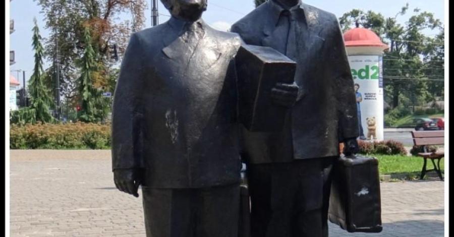 Pomnik Kargula i Pawlaka w Toruniu - zdjęcie