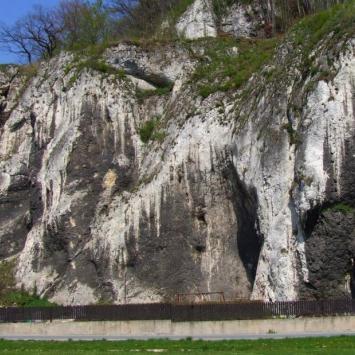 Skały Wernyhory w Ojcowskim Parku Narodowym