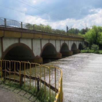 Most kolejowy w Sosnowcu Maczkach