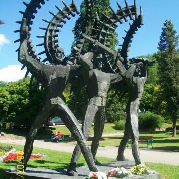 Pomnik Obrońcom-Zwycięzcom w Krynicy Zdroju