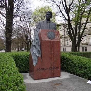 Pomnik Ronalda Reagan'a w Warszawie