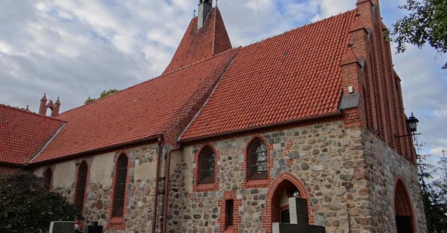 Kościół Św. Bartłomieja w Unisławiu - zdjęcie
