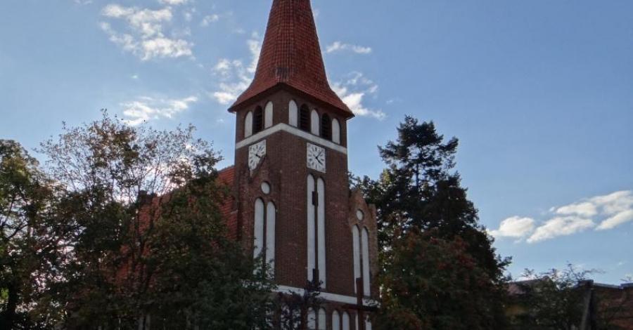 Kościół Wniebowzięcia NMP w Dąbrowie Chełmińskiej - zdjęcie