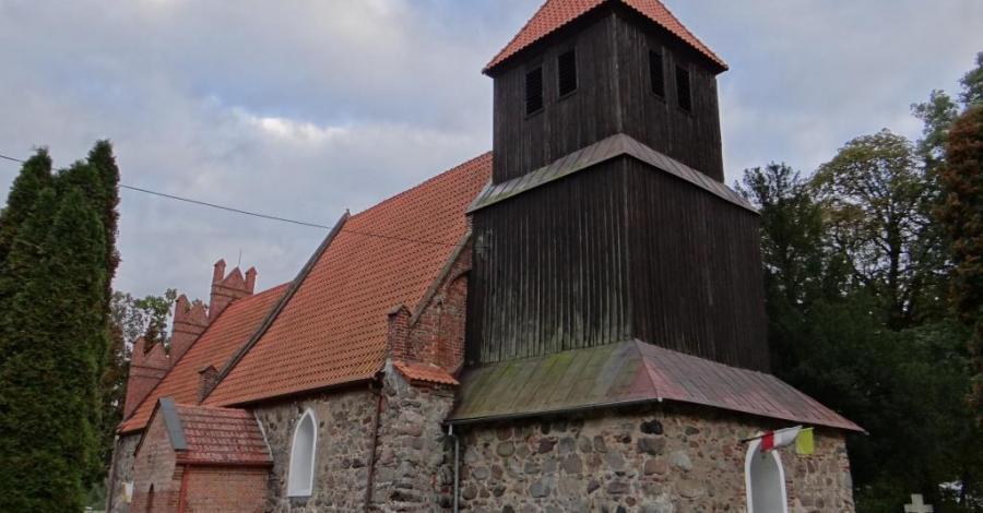 Kościół w Trzebczu Szlacheckim - zdjęcie