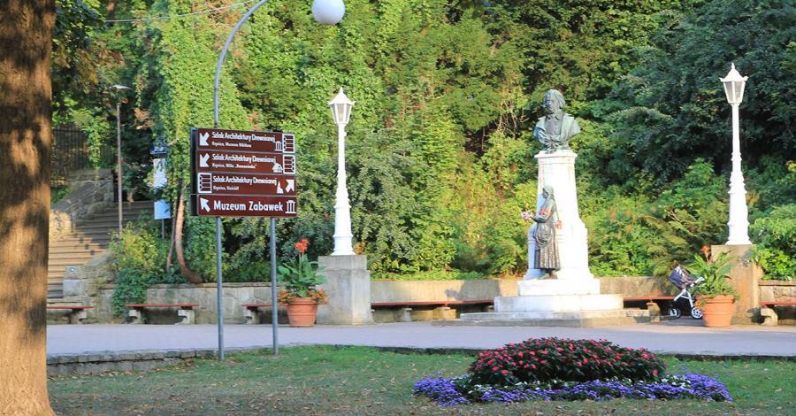 Pomnik Adama Mickiewicza w Krynicy Zdroju - zdjęcie