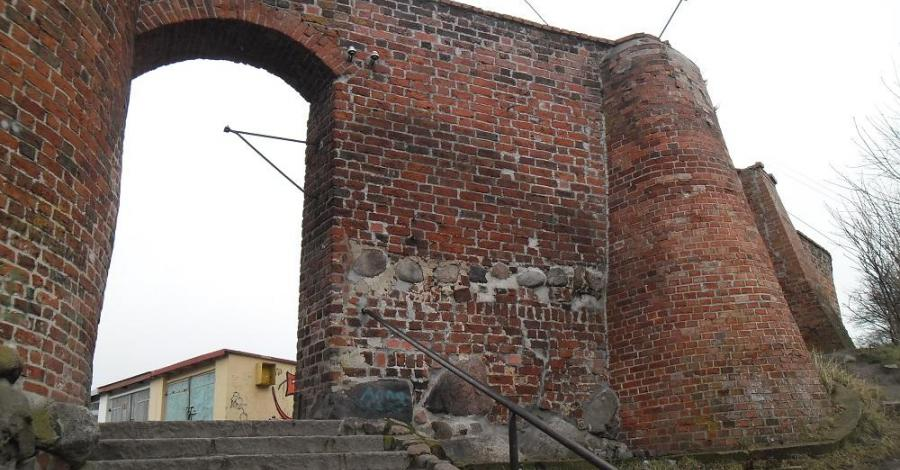 Mury obronne w Trzebiatowie - zdjęcie