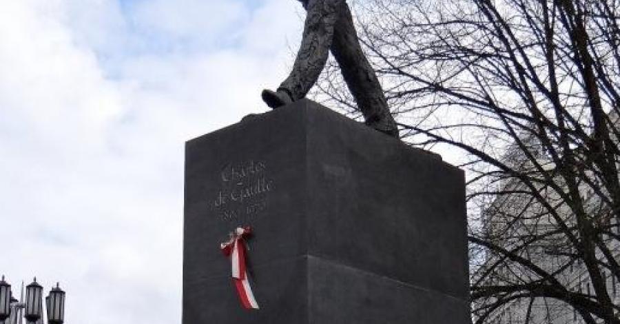 Pomnik Charles'a de Gaulle'a w Warszawie - zdjęcie