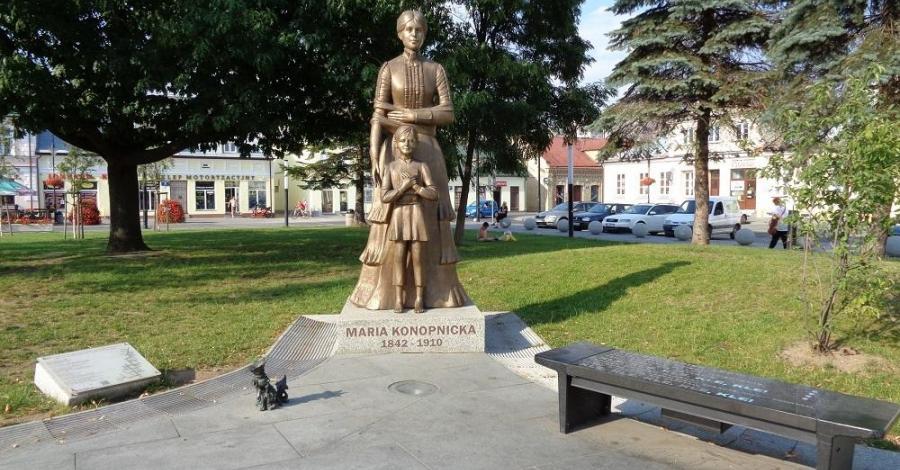 Pomnik Marii Konopnickiej w Suwałkach - zdjęcie
