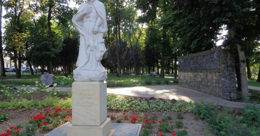 Pomnik Św. Stanisława Kostki w Przasnyszu - zdjęcie