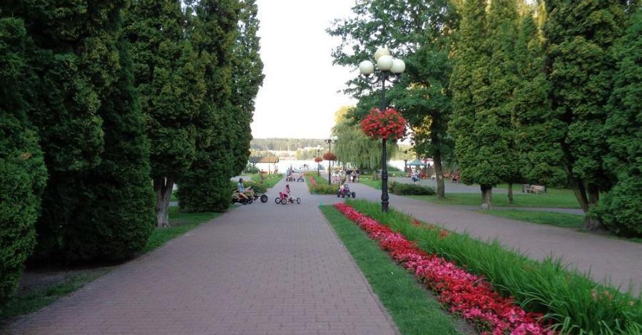 Skwer Jana Pawła II w Mrągowie - zdjęcie