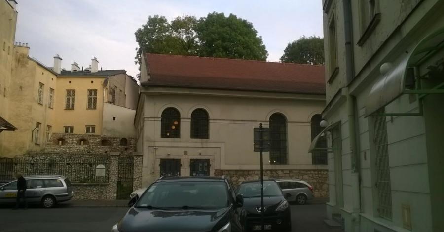 Synagoga Kupa w Krakowie, Lucy i Tom