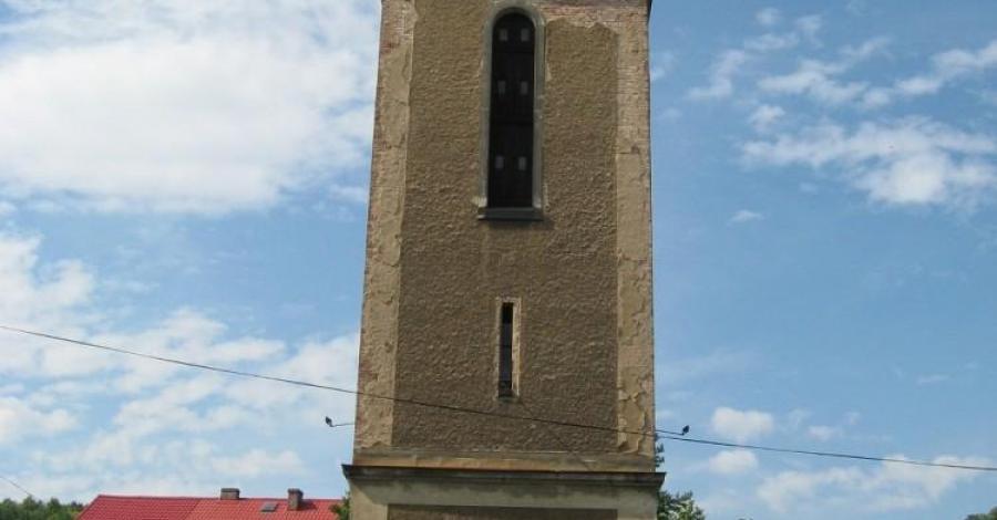 Wieża dzwonnicza w Czernicy - zdjęcie