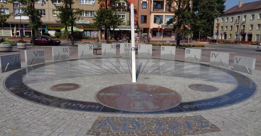 Zegar słoneczny w Gołdapi - zdjęcie